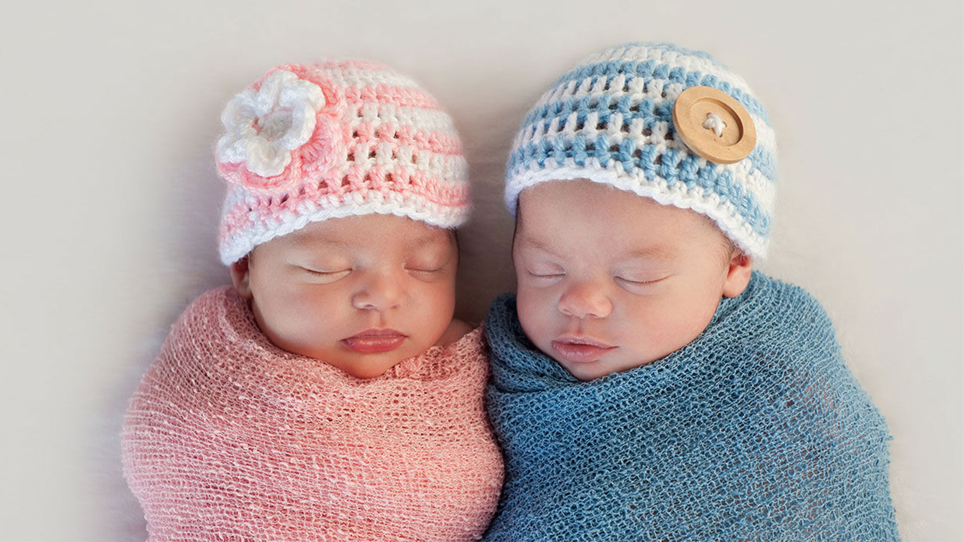 The Healthy Average Weight of a Newborn Twins